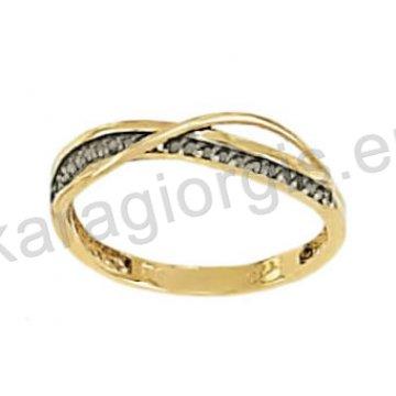 Σειρέ μισόβερο δαχτυλίδι χρυσό κυματιστό με μαύρο χρυσό και μαύρες πέτρες ζιργκόν