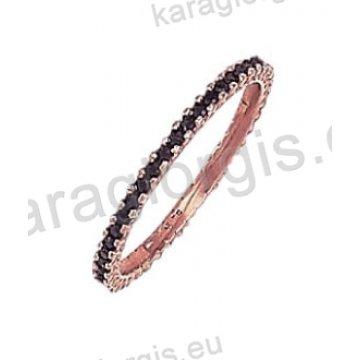 Μοντέρνο ολόβερο δαχτυλίδι Κ14 σε ροζ χρυσό με μαύρες πέτρες ζιργκόν