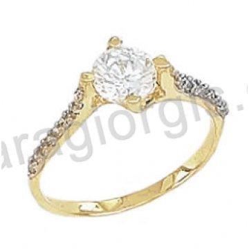 Μονόπετρο δαχτυλίδι K14 δίχρωμο χρυσό με λευκόχρυσο μοντέρνο με μία άσπρη πέτρα ζιργκόν στο κέντρο και άσπρες πέτρες ζιργκόν στα πλαϊνά