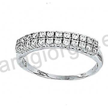 Μοντέρνο λευκόχρυσο δαχτυλίδι Κ14 με άσπρες πέτρες ζιργκόν