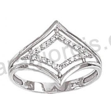 Μοντέρνο δαχτυλίδι λευκόχρυσο Κ14 με άσπρες πέτρες ζιργκόν
