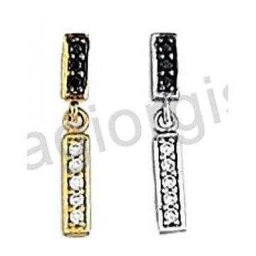 Σκουλαρίκια Κ14 χρυσό ή λευκόχρυσο κρεμαστά σε μπάρα με άσπρες και μαύρες πέτρες ζιργκόν.