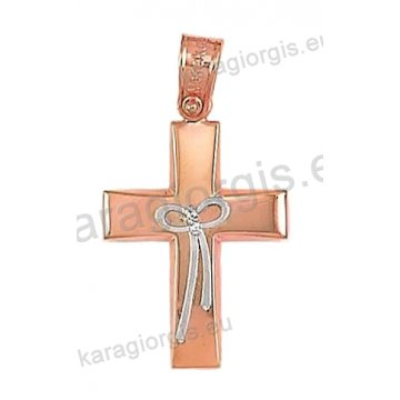 Βαπτιστικός σταυρός ροζ χρυσό Κ14 για κορίτσι σε λουστέ φινίρισμα με ένθετο λευκόχρυσο φιογκάκι.