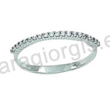 Σειρέ δαχτυλίδι σε λευκόχρυσο Κ14 με άσπρες πέτρες ζιργκόν.