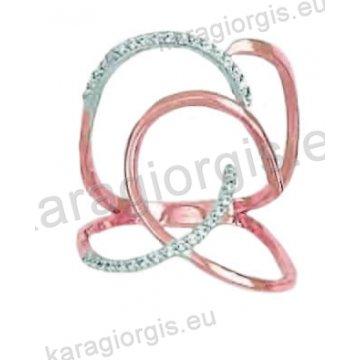 Μοντέρνο δαχτυλίδι σε ροζ χρυσό Κ14 με ένθετο λευκόχρυσο με άσπρες πέτρες ζιργκόν.