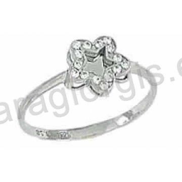 Δαχτυλίδι λευκόχρυσο Κ14 μοντέρνο σε αστέρι με άσπρες πέτρες ζιργκόν με λευκόχρυσο  καθρέπτη στη μέση. 9c4db5e4973