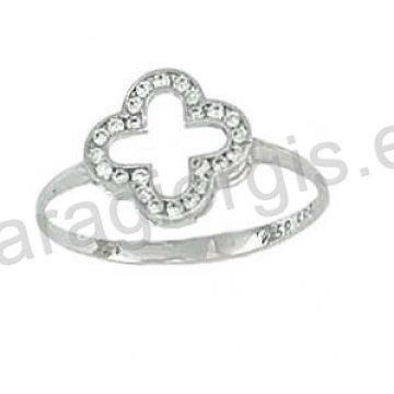 Δαχτυλίδι λευκόχρυσο Κ14 μοντέρνο σε σταυρό με άσπρες πέτρες ζιργκόν. c1c9a154dd9