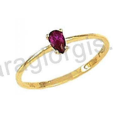 Δαχτυλίδι χρυσό 14 καράτια με κόκκινη πέτρα ζιργκόν.