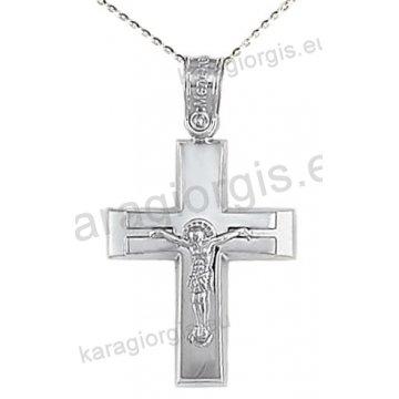 Βαπτιστικός σταυρός με αλυσίδα λευκόχρυσος για αγόρι με ένθετο εσταυρωμένο σε λουστρέ και ματ φινίρισμα 14 καράτια.