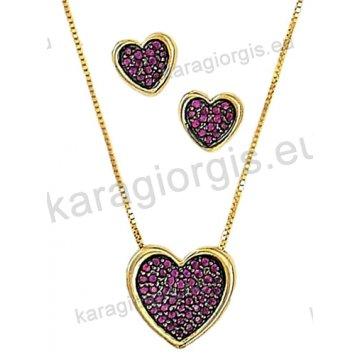 Σετ χρυσό σε Κ14 με κολιέ, σκουλαρίκια σε καρδιά με κόκκινες πέτρες ζιργκόν και μαύρο χρυσό.