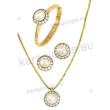Σετ χρυσό σε Κ14 με κολιέ, σκουλαρίκια, δαχτυλίδι σε ροζέτα με άσπρες πέρλες και άσπρες πέτρες ζιργκόν.