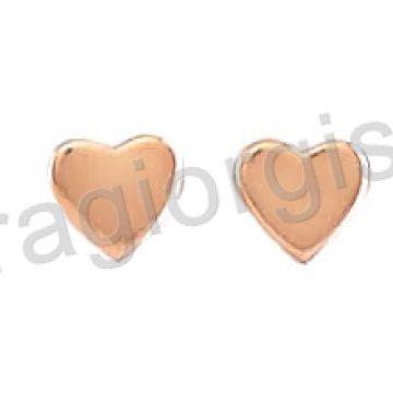 Σκουλαρίκια σε ροζ χρυσό Κ14 με καρδούλες σε λουστρέ φινίρισμα.