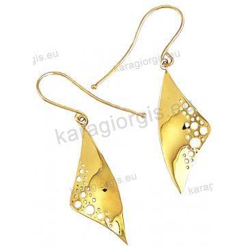 Σκουλαρίκι κρεμαστό Κ14 fashion jewellery σε λουστρέ φινίρισμα.