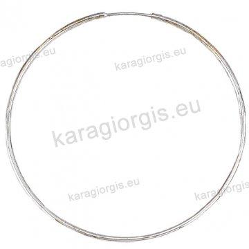 Κρίκοι λευκόχρυσοι Κ14 σε λουστρέ φινίρισμα διαμέτρου 5,20cm και πάχος 1,6mm.