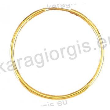 Κρίκοι χρυσοί Κ14 σε λουστρέ φινίρισμα διαμέτρου 2,50cm και πάχος 1,6mm.