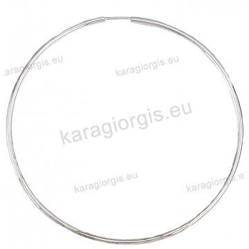 Κρίκοι λευκόχρυσοι Κ14 σε λουστρέ φινίρισμα διαμέτρου 5,90cm και πάχος 1,6mm.
